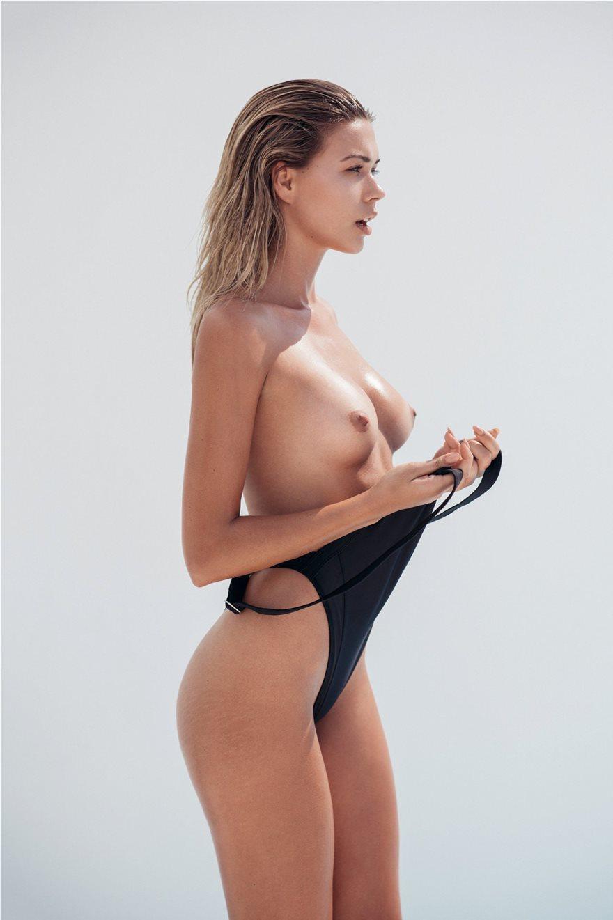 Sandra-Kubicka-Naked-Photoshoot-9