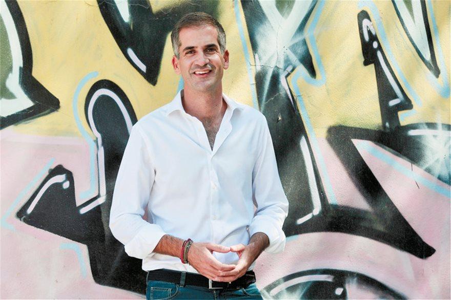 Μπακογιάννης: Ο μεγαλύτερος εχθρός είναι η κομματίλα - Συνέντευξη στο Πρώτο Θέμα με θέα την… Αθήνα