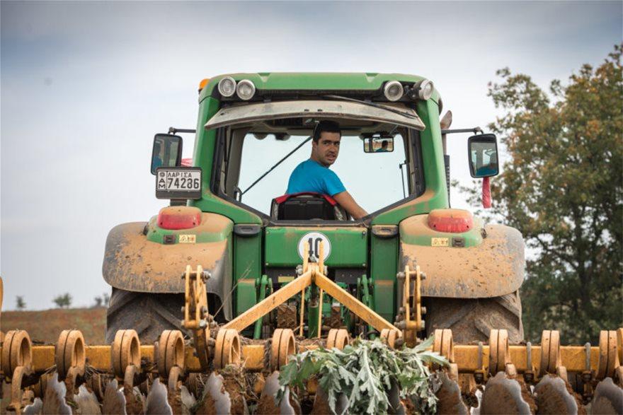 Hμερολόγιο για το 2019 έβγαλαν oι νέοι αγρότες από τη Σκοπιά Λάρισας 9f1d8fef01e