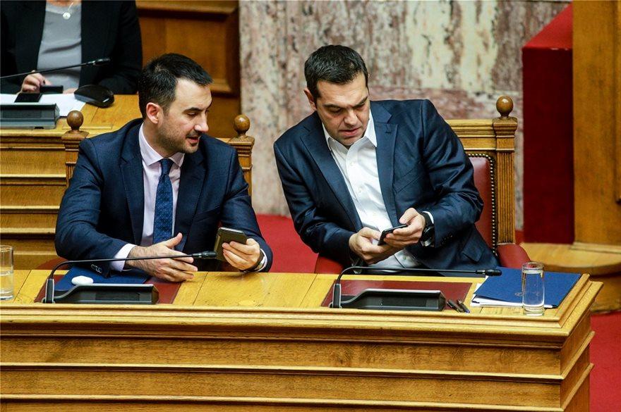 tsipras-kinito-ena