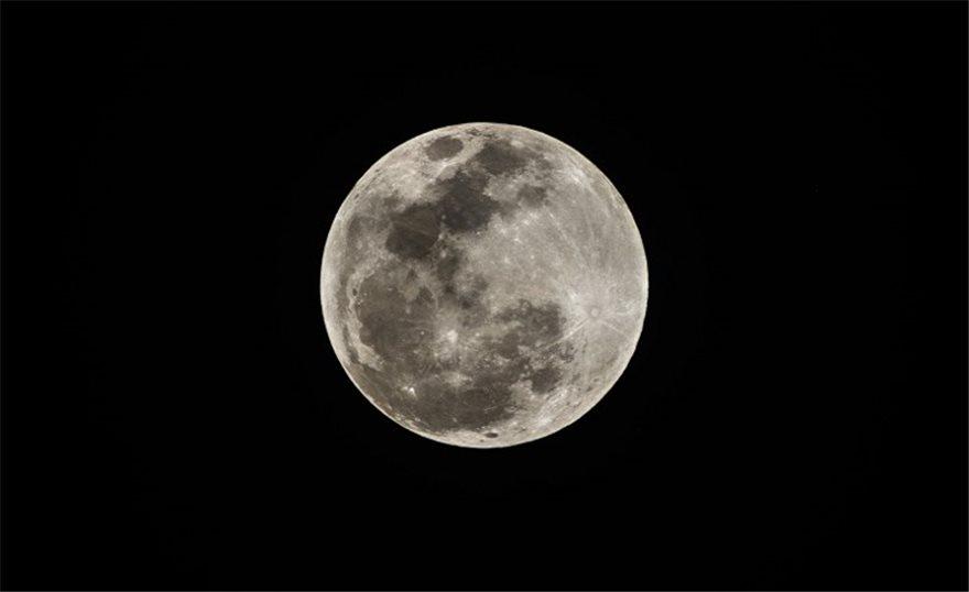 lunar-moon-ena