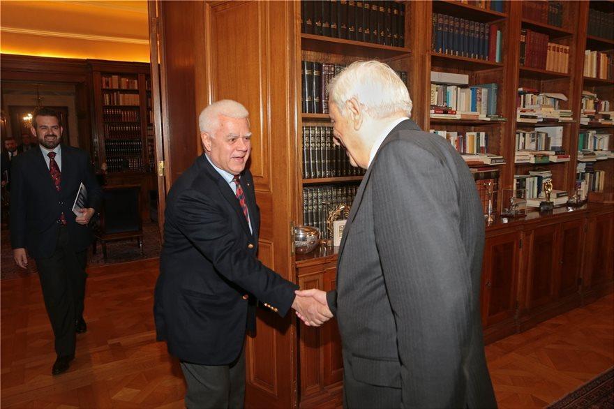 Προεδρος_ΔΣ_Ελληνων_Προσκοπων_ΠτΔ