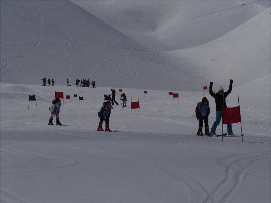 kriti-agones-ski-ena
