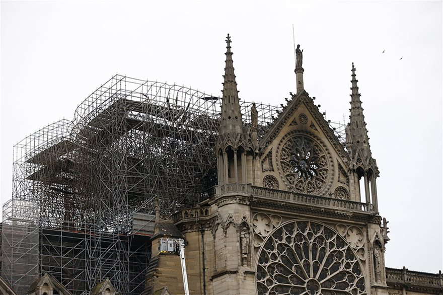 notre-dame-day-after03