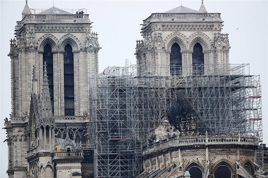 notre-dame-day-after07