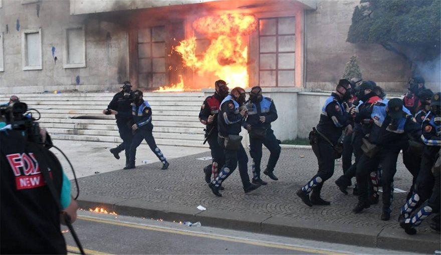 alvania-policia-tria