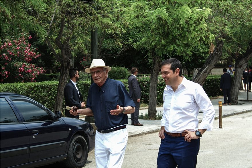 vasilis-vasilikos-tsipras-tessera
