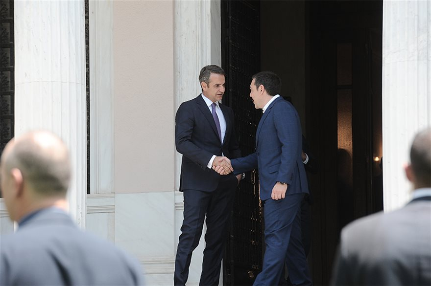 eksodos-tsip00  Νέος πρωθυπουργός ο Κυριάκος Μητσοτάκης: Η ορκωμοσία και η παραλαβή στο Μαξίμου από τον Τσίπρα eksodos tsip00