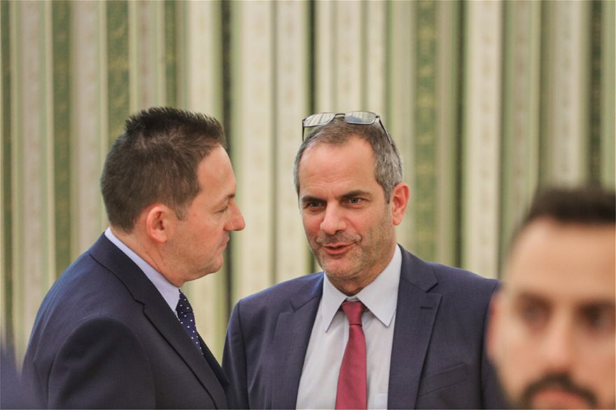 orkom3  Νέος πρωθυπουργός ο Κυριάκος Μητσοτάκης: Η ορκωμοσία και η παραλαβή στο Μαξίμου από τον Τσίπρα orkom3