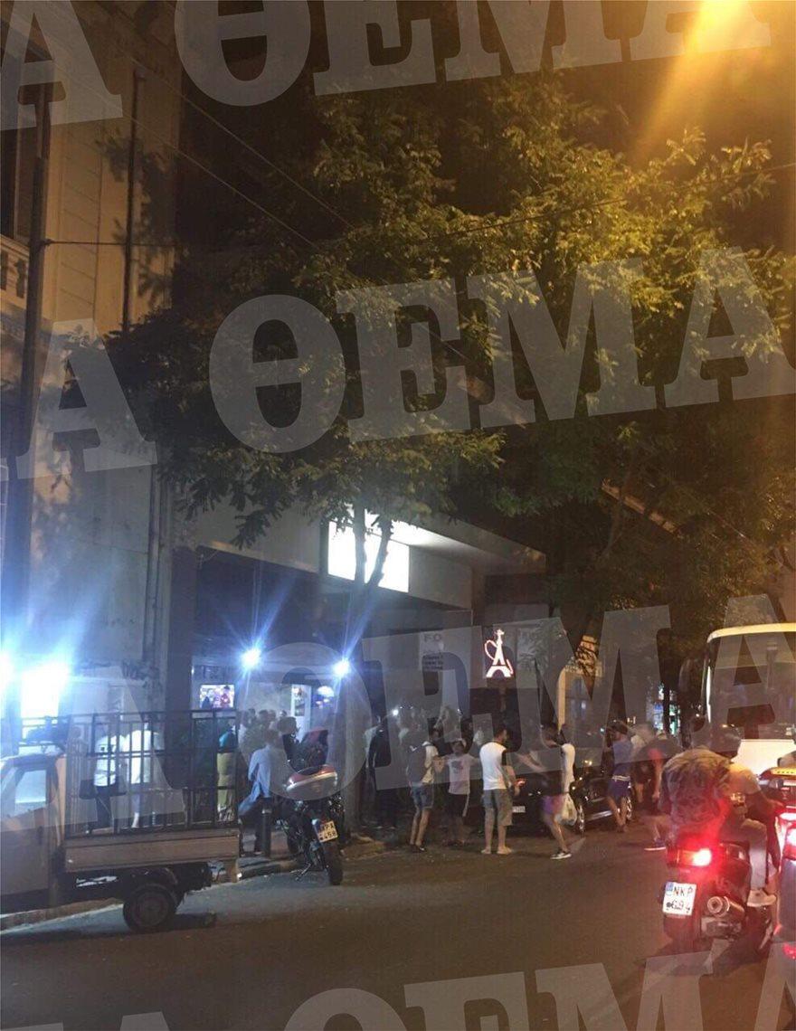 Πανηγυρισμοί Αλγερινών με κροτίδες στην Αχαρνών – Έκλεισαν τον δρόμο