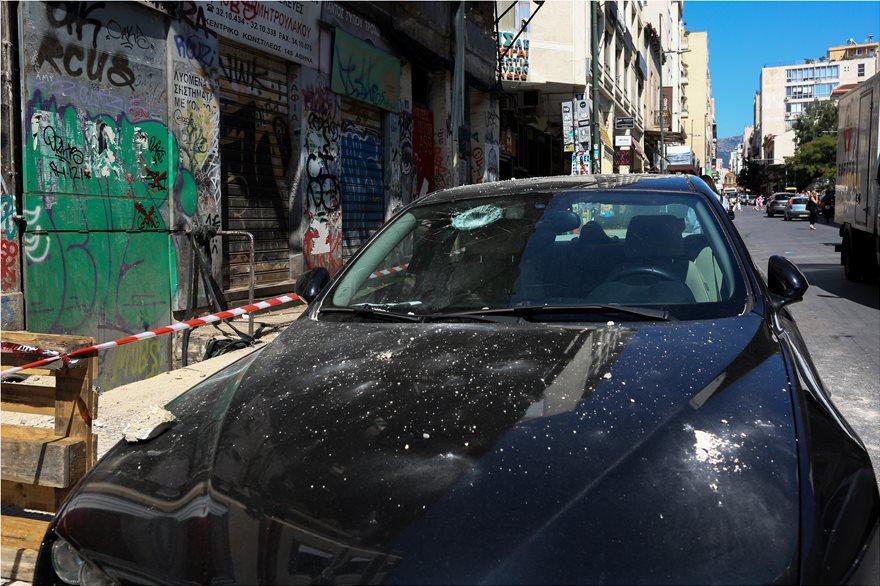 4857950  Φωτογραφικό οδοιπορικό μετά τα 5,1 Ρίχτερ: Έπεσαν παλιά κτίρια, κατέρρευσε το ταινιοδρόμιο στον Πειραιά 4857950