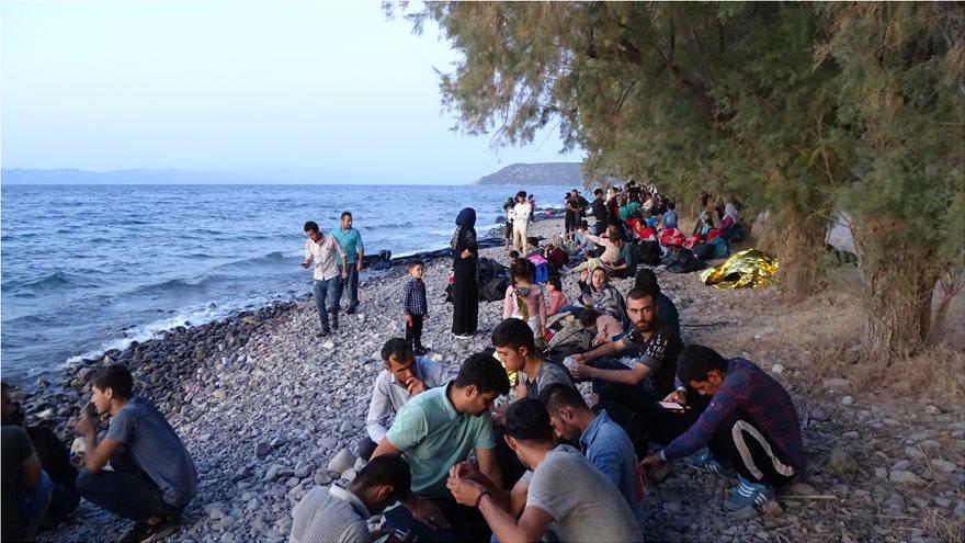 mesa-2  Ξύπνησαν μνήμες του 2015 στη Λέσβο: Σχεδόν 550 μετανάστες έφτασαν στο νησί μέσα σε μια μέρα! mesa 2