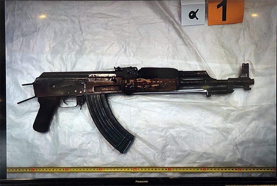 Το όπλο της ληστείας στον ΟΠΑΠ στον Χολαργό
