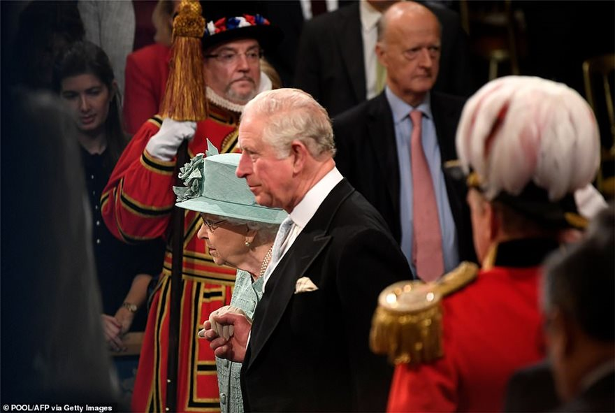 22449532-0-The_Queen_and_Prince_Charles_Prince_of_Wales_arrive_for_the_Stat-a-4_1576756444197