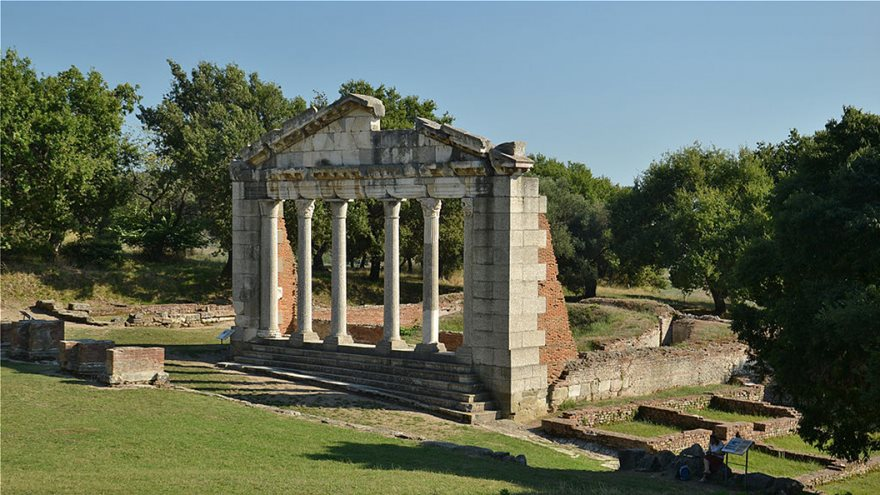 apollonia_albania_by_pudelek_-_monument_of_agonothetes