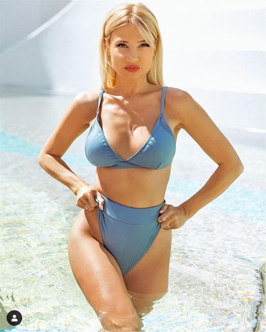 Fay_Skorda_Bikini2