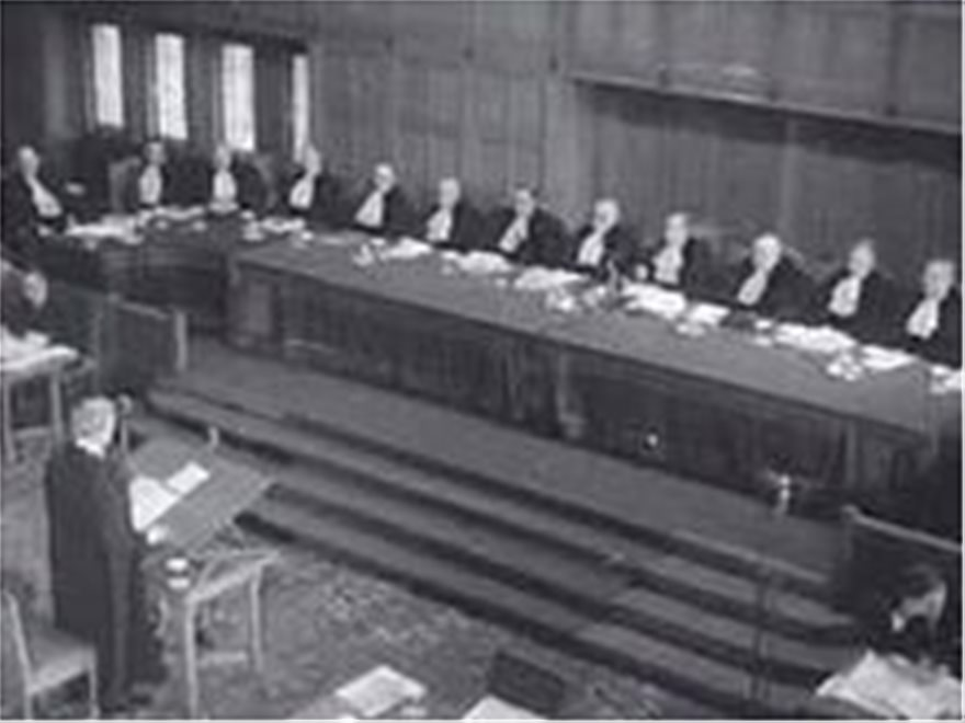 aoz-Hartley_Shawcross_before_the_ICJ_in_the_Corfu_Channel_case
