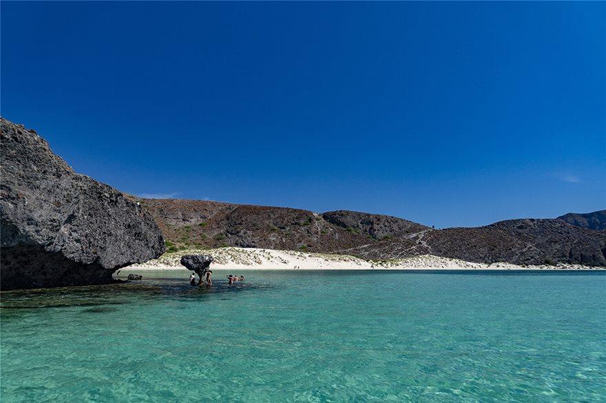 17_Playa_Norte__Mexico_114273373_xl