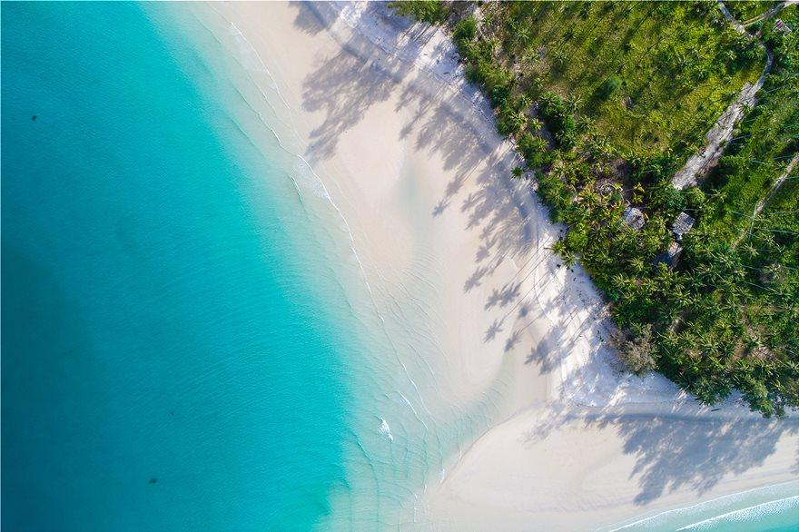 18_seven_mile_beach_keyman_113864816_xl