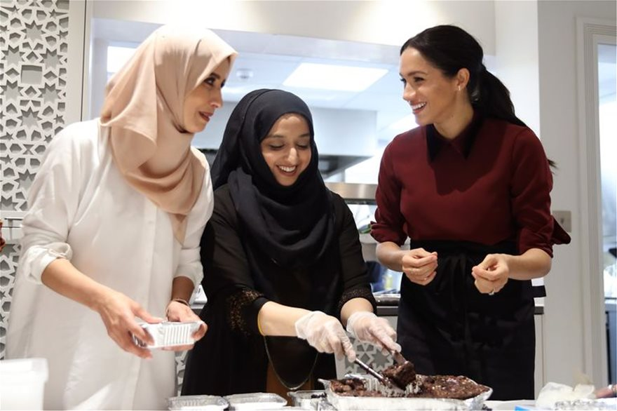 meghan-duchess-of-sussex-and-kitchen-co-ordinator-zaheera-news-photo-1616617907_