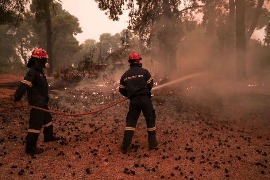 Για έβδομη μέρα η μάχη με την φωτιά στην Εύβοια - Κάτοικοι έσωσαν χωριά