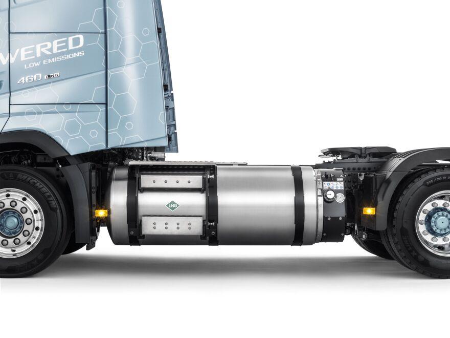 Volvo_FH_LNG_1_small