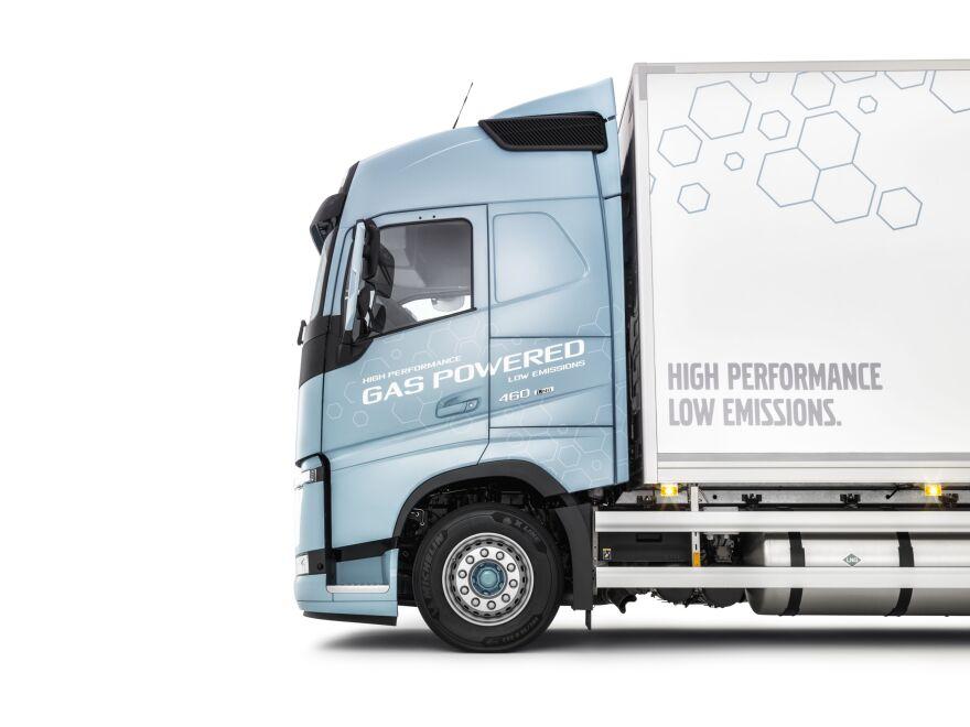 Volvo_FH_LNG_3_small